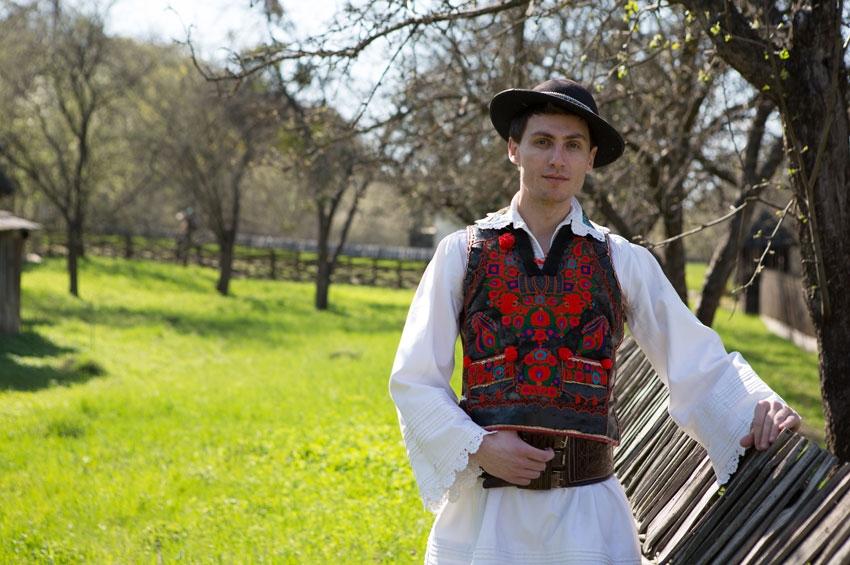 Muzica populară între dar și artă – Grigore Sâmboan